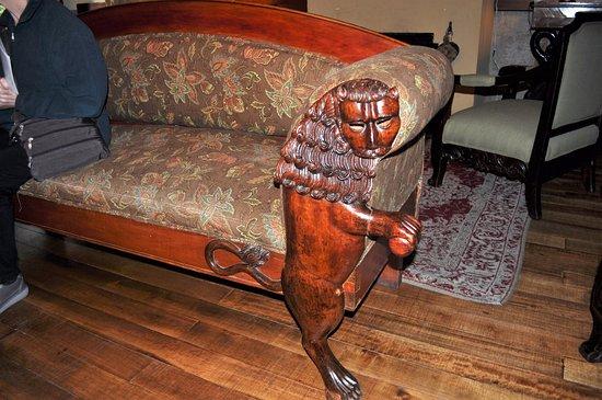 Lasso, Ecuador: Antique furniture in common area