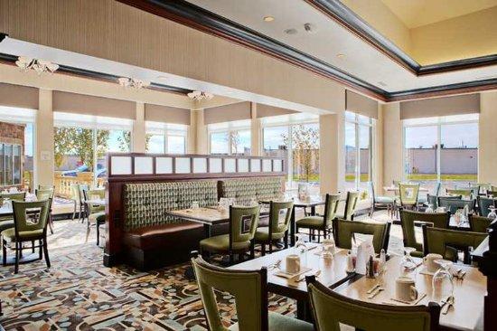 Restaurant foto de hilton garden inn merrillville merrillville tripadvisor for Hilton garden inn merrillville in