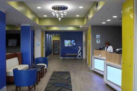 Bartow, FL: Lobby