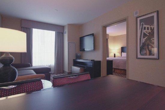 Embassy Suites by Hilton Columbus - Airport: Suite