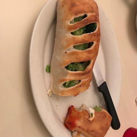 Endicott, Estado de Nueva York: Food was plentiful and tasty but facility looked old and warn.