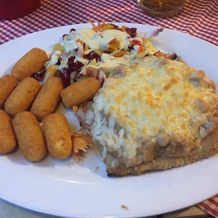 Frauwalde, Germany: Leckere Schnitzel am Schnitzeltag!