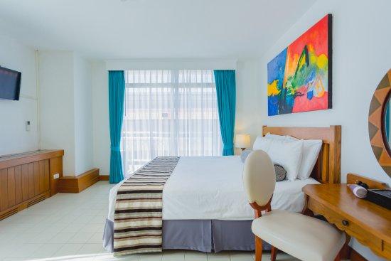 Bilder på Waterfront Suites Phuket by Centara – Bilder på Phuket - Tripadvisor