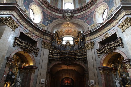 St. Peter's Church: Интерьер