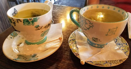 Rockville Centre, NY: Green tea comes in these beautiful china cups with a swizzle rock sugar stick! Delighful:-)