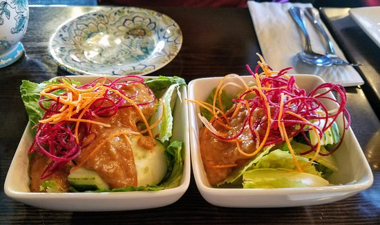 Rockville Centre, NY: Side salad that comes with your lunch special! So refreshingly tasty!
