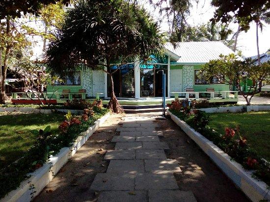 Chaungtha, Burma: Khine Chaung Tha Hotel