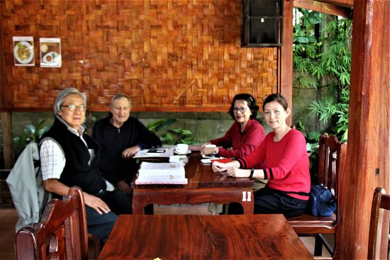 Luang Namtha, ลาว: With our good friends for Breakfast