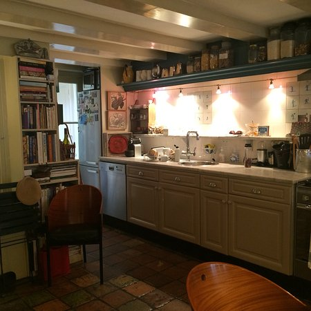 B&B Herengracht 21: Highly recommend the canal facing room