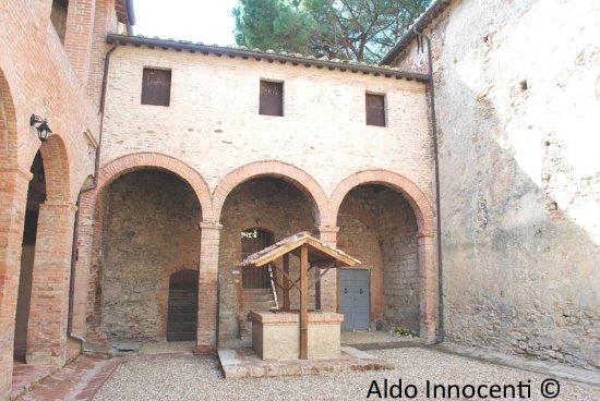 Buonconvento, Italia: Pieve di Sant'Innocenza a Piana 3