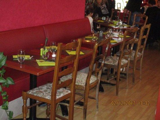 Ostheim, France: la salle intérieure