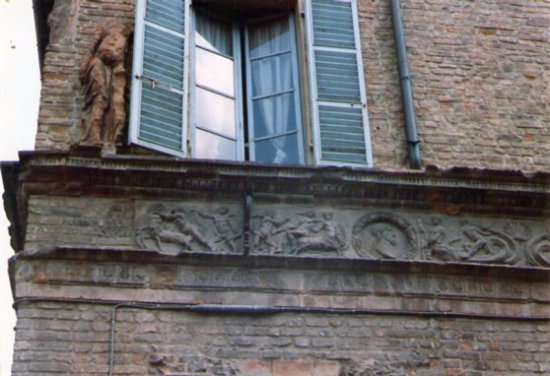 Piacenza, Italia: cornicione