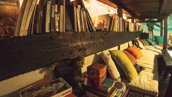 biblioth que th matique photo de l 39 oasis me s le centre de flottaison paris tripadvisor. Black Bedroom Furniture Sets. Home Design Ideas