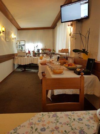 Hotel Weisshorn: Reiches, leckeres Frühstück