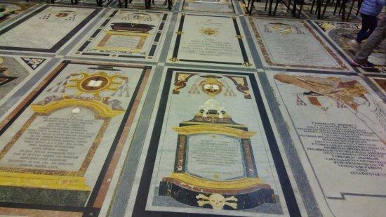 Catedral de San Pablo (Mdina): zemindeki şövalye hikayeleri