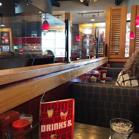 Red Robin Gourmet Burgers: photo7.jpg