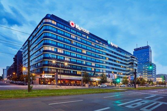 H4 Hotel Berlin Alexanderplatz Berlino Germania Prezzi