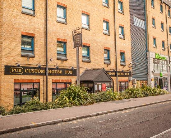 Custom House Pub Picture Of Custom House Pub London Tripadvisor