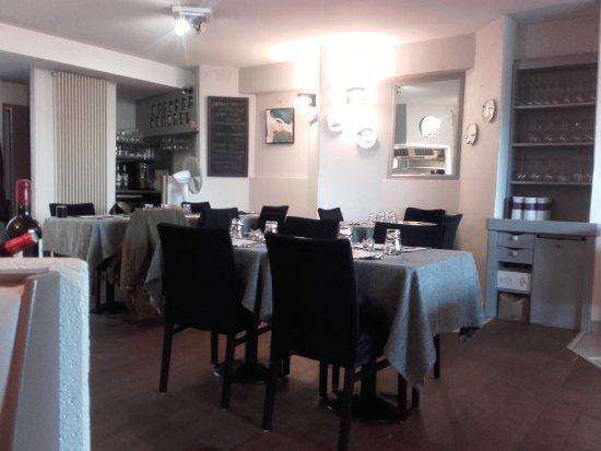 Pessac, França: Tables