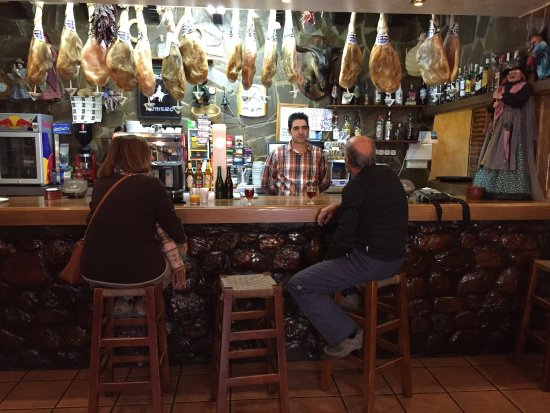 Soportujar, إسبانيا: En un Mesón típico de soportujar