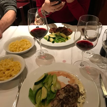 Ristorante Bindella Zürich: Beautiful place, excellent service and delicious wine. Recommended.