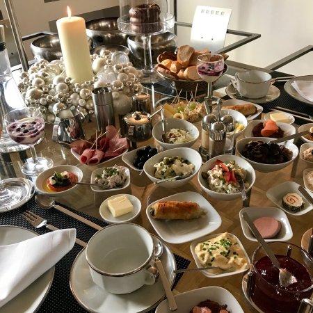 B & B Cologne Filzengraben: Breakfast / Brunch im Bed & Breakfast Cologne im Filzengraben 1-3 in Köln Vorweihnachtszeit 2017