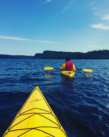 Clearwater Historic Lodge: Kayaking to the the Palisades
