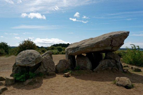 Ile-aux-Moines, France: Le dolmen, coté Nord