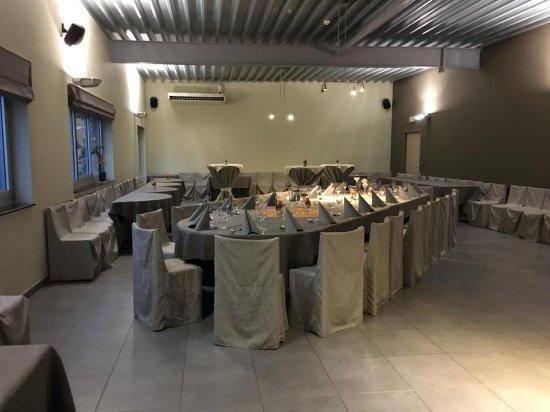 Vlezenbeek, Belgium: zaal lermes