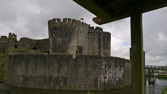 Caerphilly, UK: torre pendente