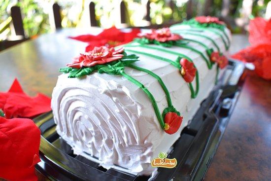 Lukumbe: tronco navideño de vainilla y chocolate en restaurant café lukumbé, pasteles navideños
