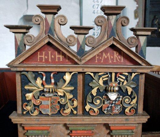 Dronninglund, الدنمارك: De flotte kirkebænke