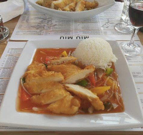 Achern, Tyskland: Huhn paniert süss sauer