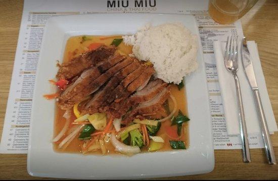 Achern, Tyskland: Entenbrust mit rotem Thai Curry