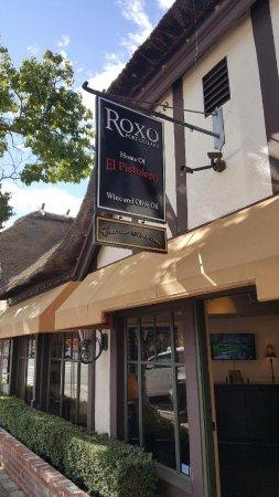ปาโซโรเบิลส์, แคลิฟอร์เนีย: Roxo Port Cellars Solvang Tasting Room - Exterior