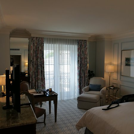 A few photographs of the hotel, room and room service presentation.
