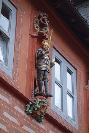 Goslar, Jerman: Barocke Kaiserfigur