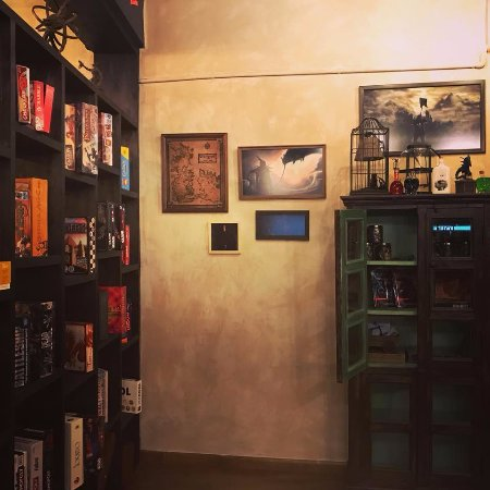 ‪The Raven's Nest Board Game Cafe‬