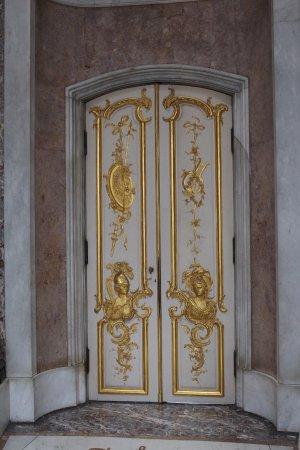 Sanssouci Palace: Дворцовые двери