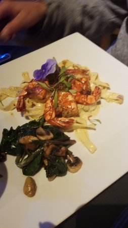 Corrales, NM: Green chili linguini with shrimp and vegatables