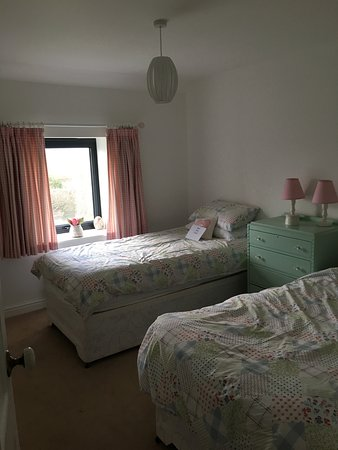 Trearddur Bay, UK: Upstairs bedroom 3