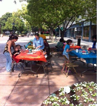Riverside, Kalifornia: First Sundays program, April 2016