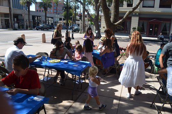 Riverside, CA: Museum offers free family fun!