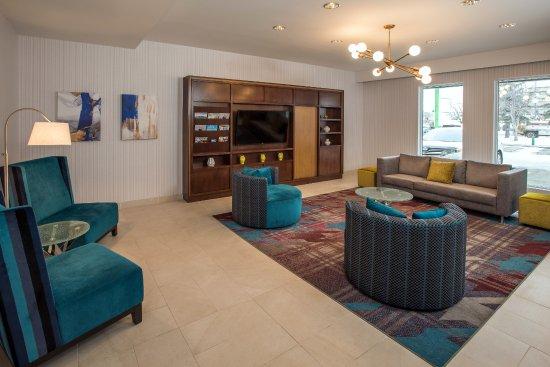 Holiday Inn Conference Ctr Edmonton South: Lobby