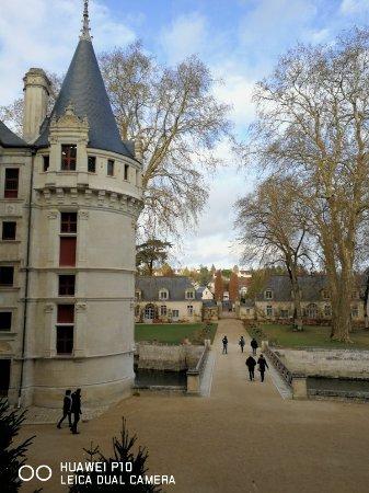 Azay-le-Rideau, ฝรั่งเศส: IMG_20171208_154449_large.jpg