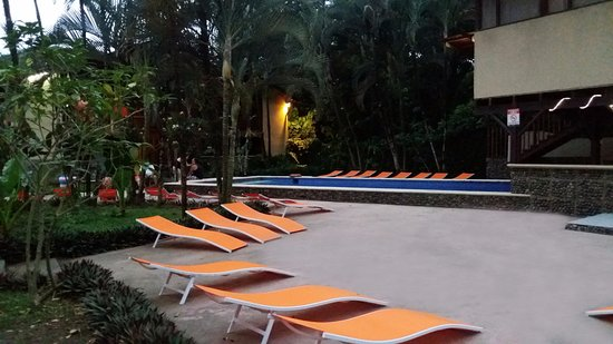 Hotel Perla Negra: Sillas para bronceado / Chairs for tanning