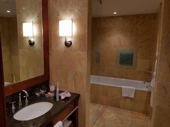 Regent Warsaw Hotel: 20171122_191057_large.jpg