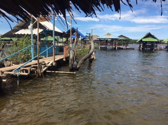Pluak Daeng, Tailandia: Lunch on the water
