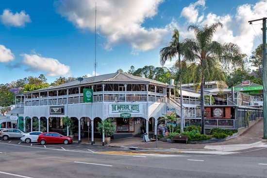 Eumundi, Australia: Hotel New Signage
