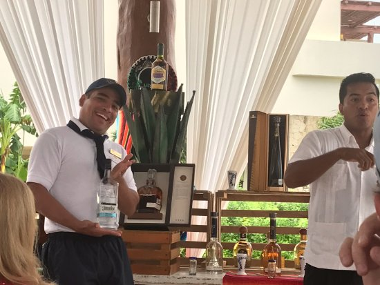 Secrets Maroma Beach Riviera Cancun: Wonderful activities! I had a great time at the tequila tasting and learned a lot